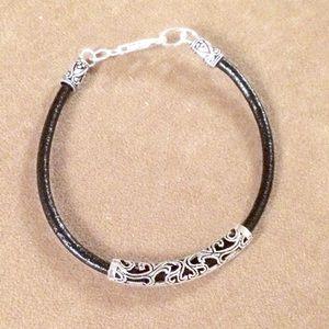 Jewelry - Leather silver bracelet